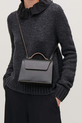 Cos SMALL CONSTRUCTED LEATHER BAG