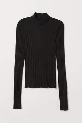 H&M Fitted Turtleneck Sweater - Black