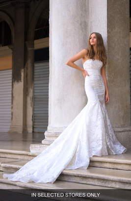 Monique Lhuillier Bliss Strapless Lace Mermaid Wedding Dress