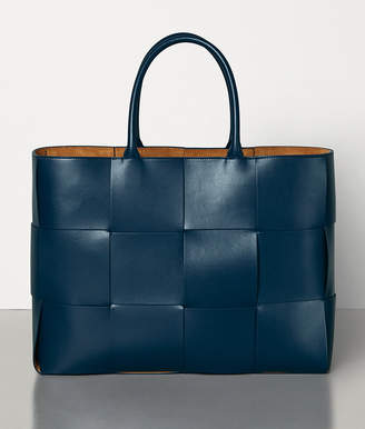 Bottega Veneta TOTE IN URBAN LEATHER CALF