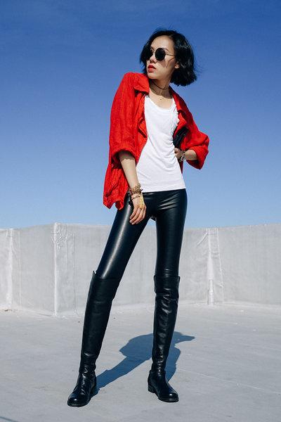 #red #leatherlegging #stuartweitzman #overthekneeboots