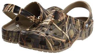 Crocs Classic Realtree(r) V2 (Khaki) Shoes
