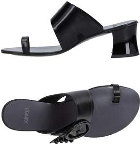 Zinda Toe strap sandals