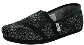 Toms Kids Classics Crochet Casual Shoe.