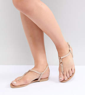 New Look Wide Fit Toe Post Leather Look Flat Sandal