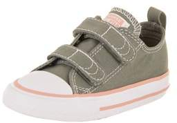 Converse Toddlers Chuck Taylor All Star 2v Ox Basketball Shoe.