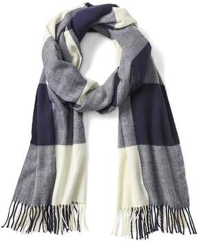 Gap Cozy buffalo plaid fringe scarf