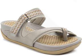 Bare Traps Women's Denni Flat Sandal
