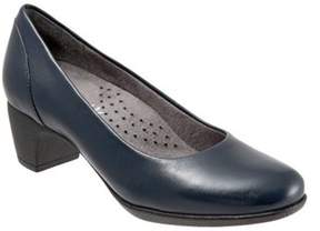 SoftWalk Women's Imperial Pump.