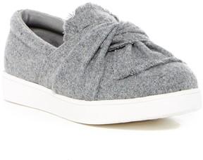 Mia Maddie Textured Slip-On Sneaker (Little Kid)