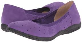 SoftWalk Hampshire Women's Flat Shoes