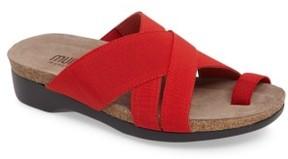 Munro American Women's Delphi Slide Sandal