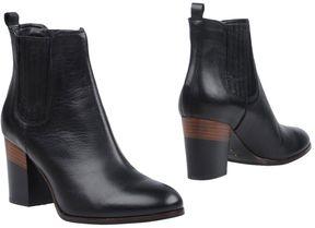 Fabio Rusconi Ankle boots