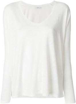 Closed scoop neck T-shirt