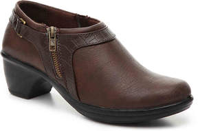 Easy Street Shoes Women's Devo Bootie