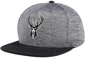 Mitchell & Ness Milwaukee Bucks Space Knit Snapback Cap