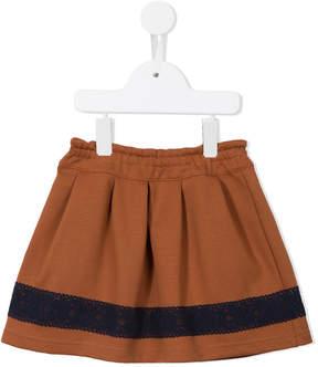Familiar ruffled skirt