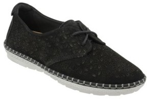 Earth Women's Pax Sneaker