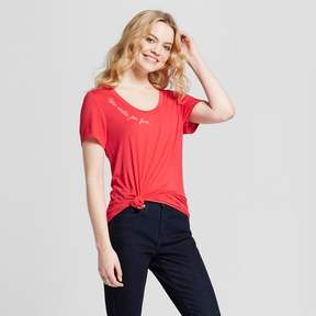 Fifth Sun Women's Mas Siestas Por Favor Short Sleeve Embroidered Drapey Graphic T-Shirt Juniors') Coral