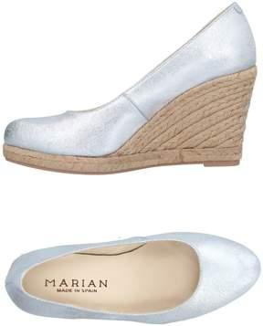 Marian Pumps