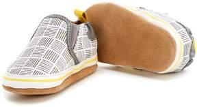 Robeez Baby Boys' Newborn-18 Months Liam Crosshatch Shoes