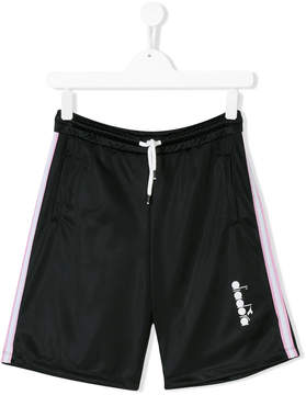 Diadora Junior TEEN logo print shorts