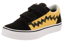 Vans Kids Old Skool V (peanuts) Skate Shoe.