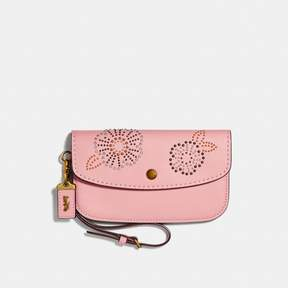 COACH Coach Clutch With Tea Rose Rivets - PEONY/BRASS - STYLE