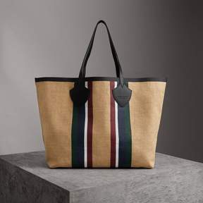 Burberry The Giant Tote in Striped Jute