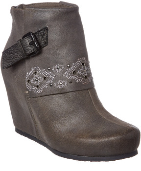 OTBT Women's Robertson Leather Bootie