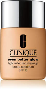 Clinique Even Better Glow Light Reflecting Makeup Broad Spectrum SPF 15