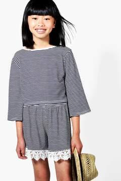 boohoo Girls Stripe Lace Hem Tee & Short Set