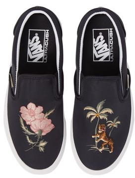 Vans Women's Classic Dx Slip-On Sneaker