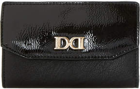 Dune Kennie patent-flap purse