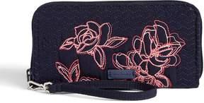 Vera Bradley Iconic RFID Accordion Wristlet - MICROFIBER CLASSIC NAVY - STYLE