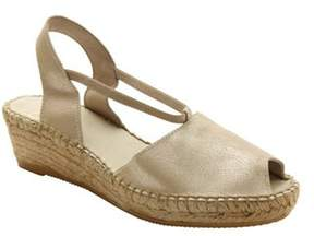 Andre Assous Women's Dainty-aa Wedge.