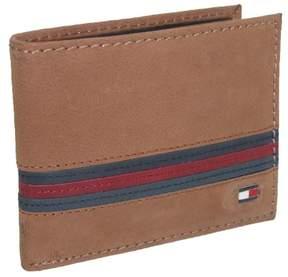 Tommy Hilfiger Men's Leather Yale Passcase Billfold Wallet, Tan