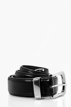 boohoo Black PU belt With Chrome Tip