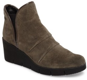 The Flexx Women's 'Spaceless' Chelsea Wedge Boot