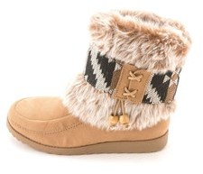 Jellypop Jelly Pop Womens Cedar Fur Closed Toe Ankle Cold Weather Boots.