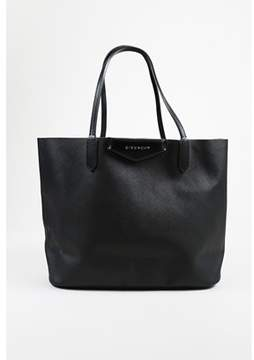 Givenchy Pre-owned Black saffiano Lux Crosshatched Leather medium Antigona Tote Bag.