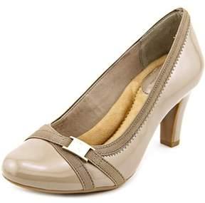 Giani Bernini Vollett Women Round Toe Synthetic Brown Heels.