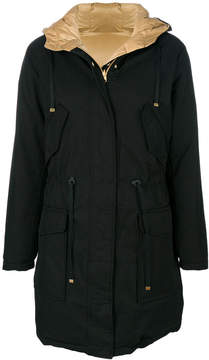 Closed padded raincoat