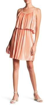 Noisy May Maba Sleeveless Popover Pleated Dress