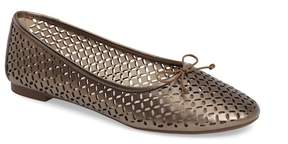 Louise et Cie Congo Perforated Flat