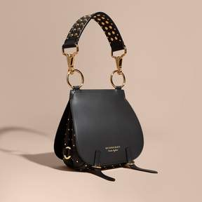 Burberry The Bridle Bag in Leather and Rivets - BLACK - STYLE