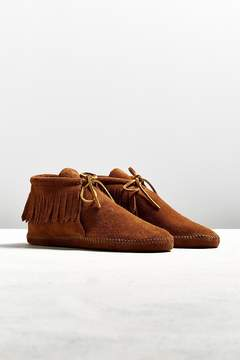 Minnetonka Classic Brown Suede Fringe Boot
