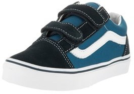 Vans Kids Old Skool V Skate Shoe.