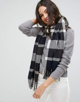 Plush Ultra Soft Woven Plaid Scarf in Navy Plaid