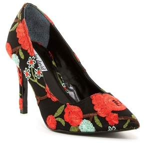 Charles David Denise Floral Embroidered Pump